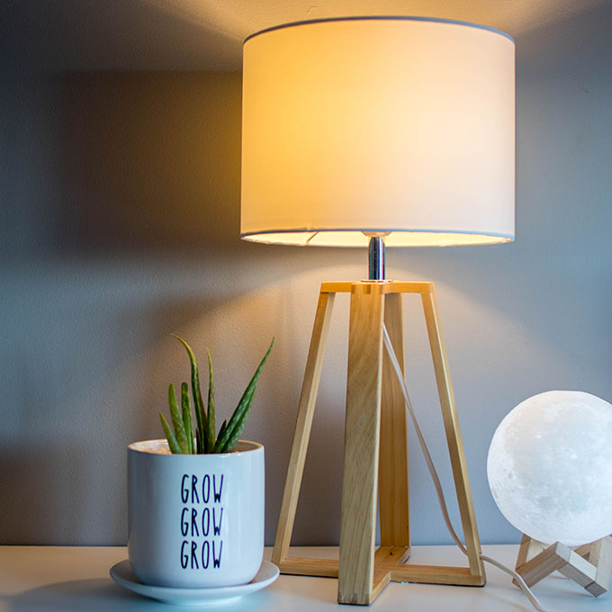 Minimalist Bedside Lamp Feature