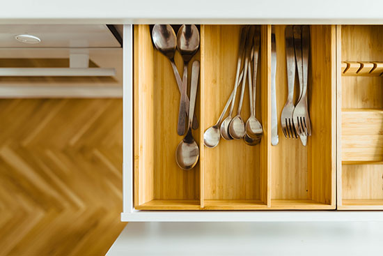 Minimalist Kitchen Tips - Organized