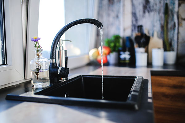 Minimalist Kitchen Tips - Sink